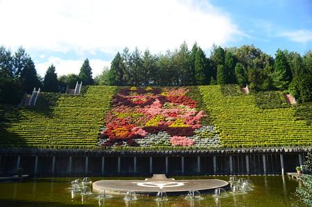 花と水のタペストリー