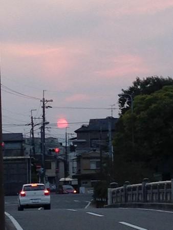 夕陽に向かって走れ~