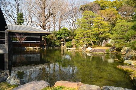 滴翠軒と池