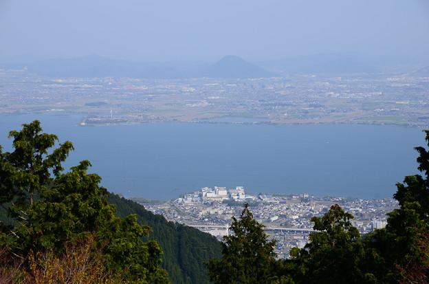 琵琶湖越しの近江富士(三上山)