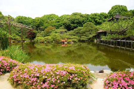 皐月咲く平安神宮