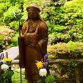 写真: 皐月の前の伝教大師像