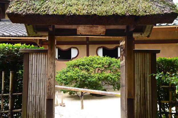 小有洞の門