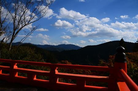 鞍馬寺から見る比叡山