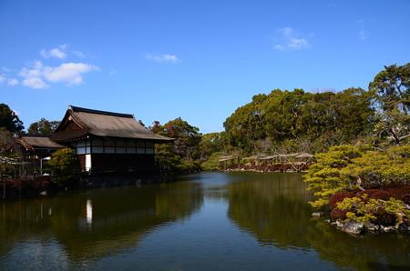 青空を映す栖凰池