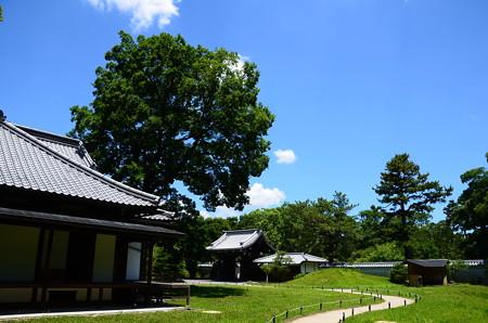 青空の閑院宮邸跡