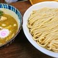 写真: 川崎つけ麺 三三七
