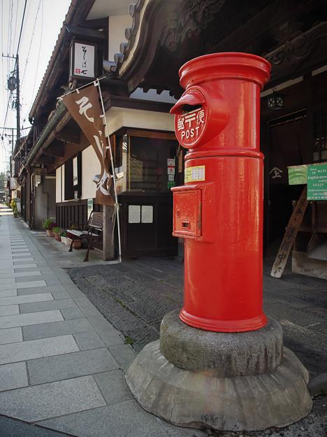 190825_長野県小諸市・元町_赤いポスト_F190825J1574_MZD12ZP_X9Ss