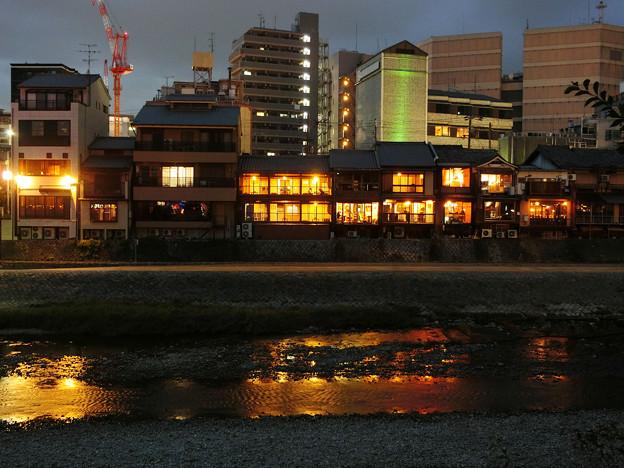 Photos: 鴨川の鏡面夜景