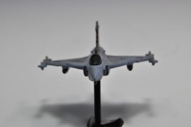フルタ_チョコエッグ 世界の戦闘機 第1弾 サーブJAS38グリベン_006
