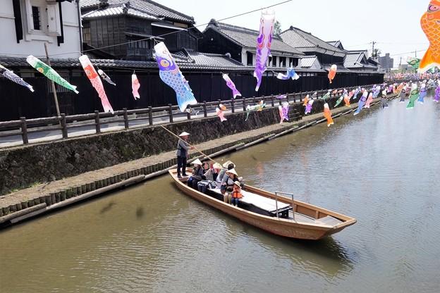 倉の町と鯉のぼり2