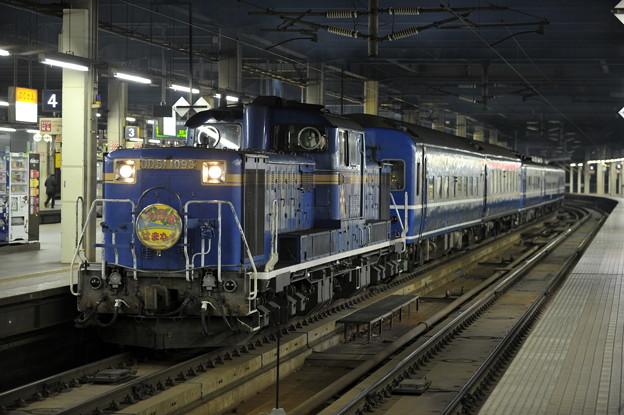 DD51-1093 寝台急行 はまなす 札幌駅