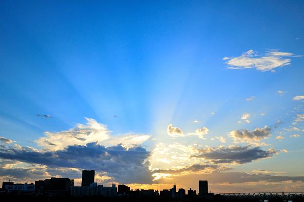 夕焼けと薄明光線