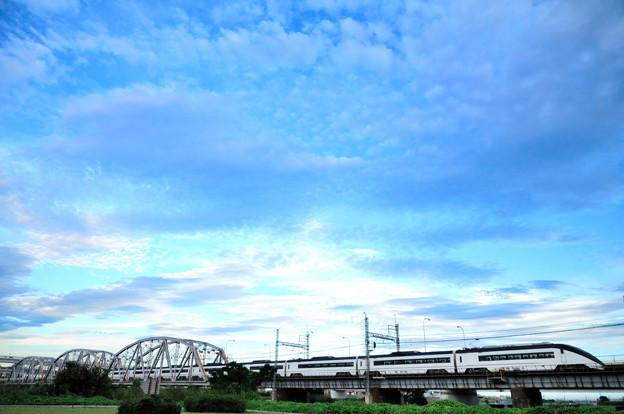 トラス橋を渡って