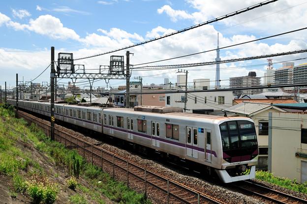写真: 半蔵門線08系電車
