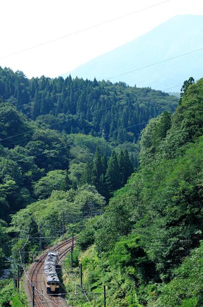 妙高高原へ向かう115系電車