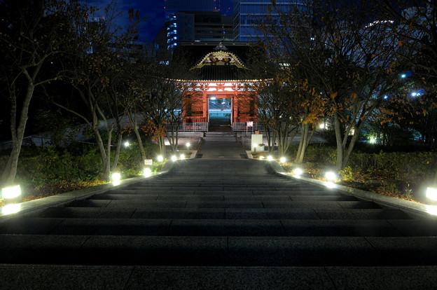 旧台徳院霊廟総門