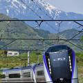 Photos: 甲斐駒ケ岳とE353系特急あずさ号