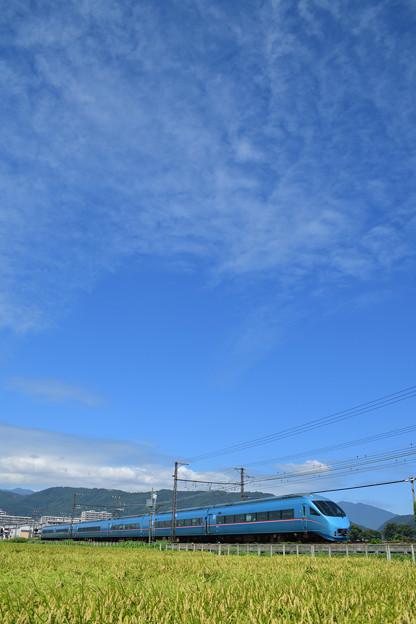 秋雲とMSE60000形ロマンスカー