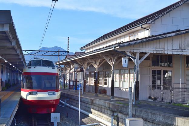 Photos: レトロな駅舎