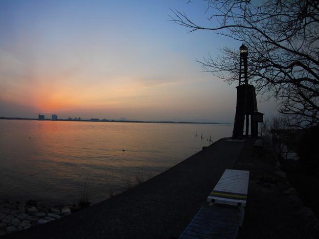 今堅田の出島灯台(でけじまとうだい)3