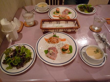 ペンションの夕食1