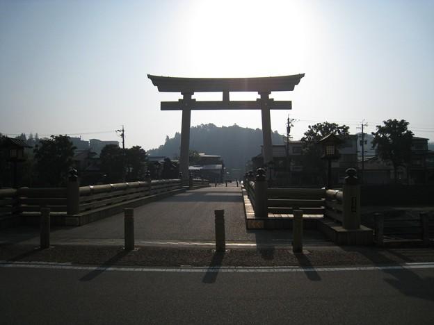 Photos: 橋を渡り・・・