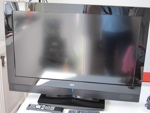 テレビ32インチ