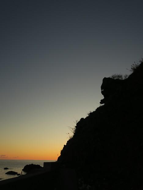 猫岩10月15日