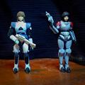 左:戦略機甲隊『シャルル・ドゥ・エトワード』/右 :宇宙機甲隊『マリー・アンジェル』