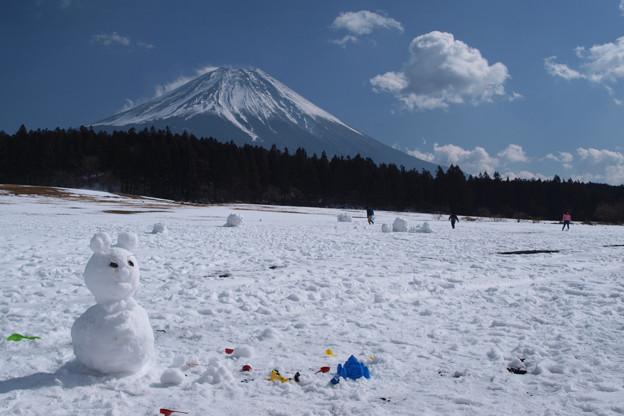 雪遊び楽しいな。