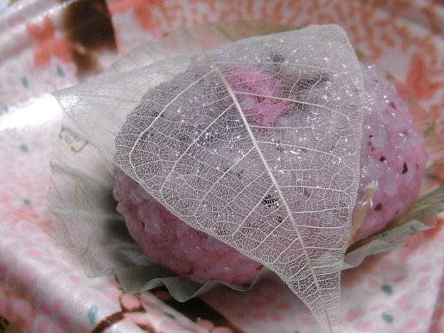 写真: 桜餅、道明寺。