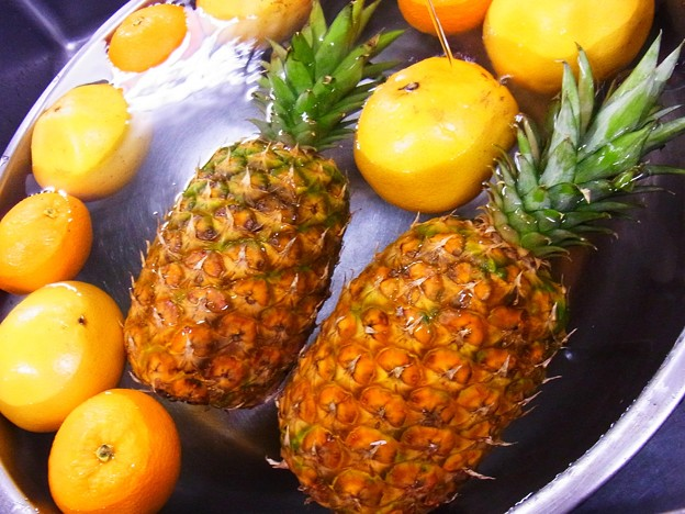 パイナップルとオレンジ。