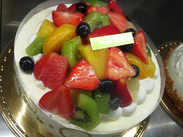 フルーツたっぷりケーキだよ~。