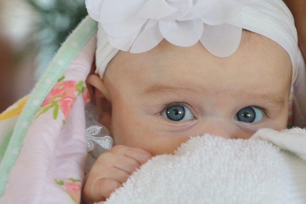 Cute blue eyes♪