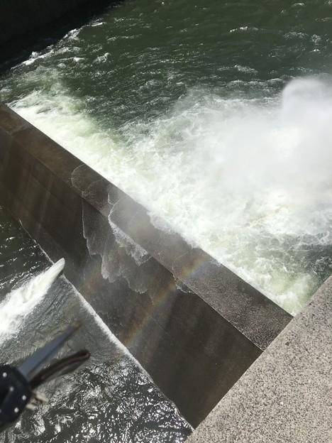 温井ダム 通常放水口  小さい方