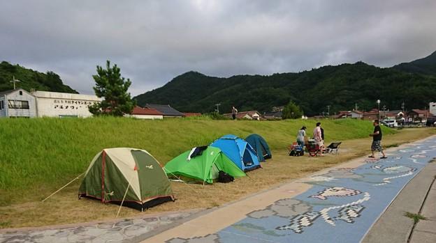 初日 キャンプ焼肉の様子