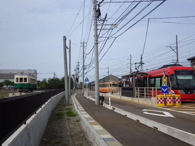 新吉久駅にて