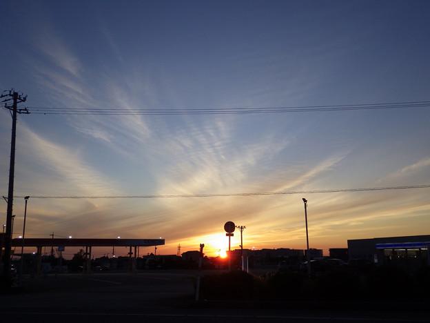 雲と夕陽と