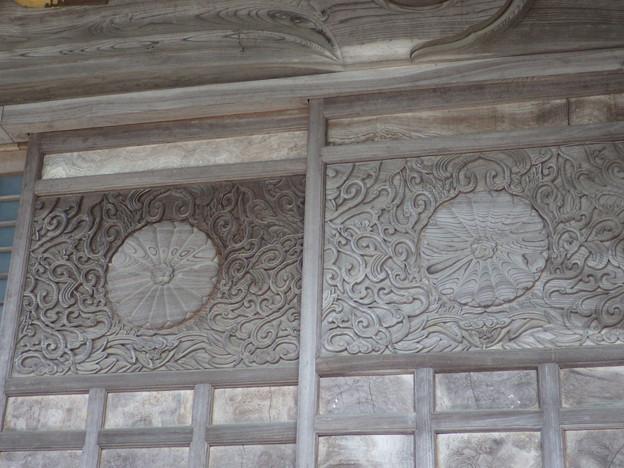 本法寺、戸の彫りもの