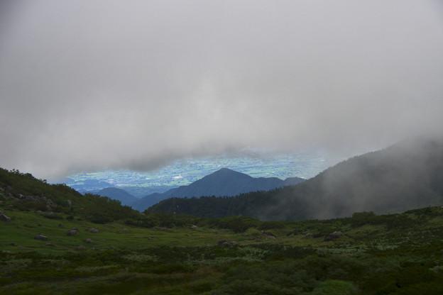 雲の切れ間に富山平野