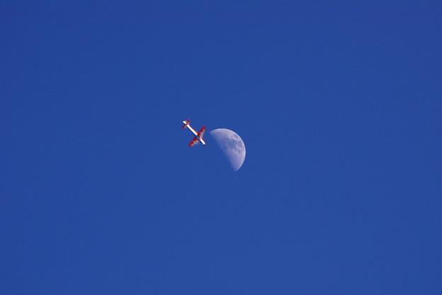 ラジコンと月