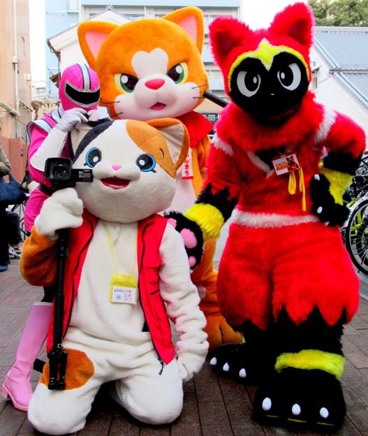 福祉戦隊ワコレンジャー・ピンク と ミケ・ランジェロ と にゃん吉 と ネコ忍者☆かげ丸