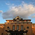 写真: 夕映えの京都市美術館
