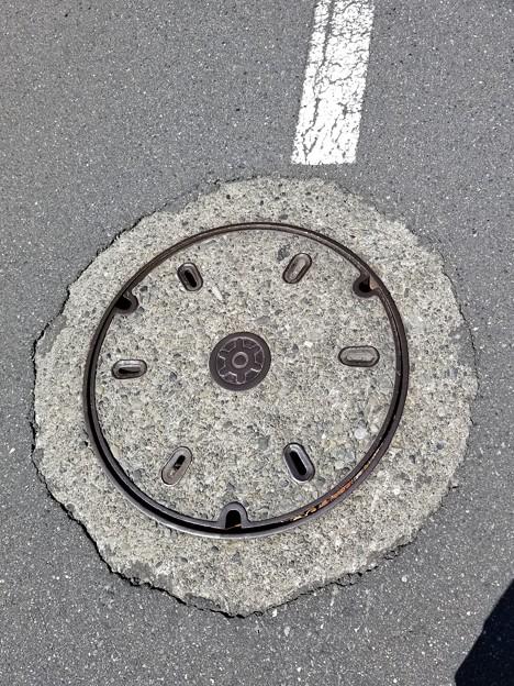 東京都水道局のフタ