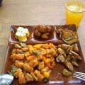 写真: 食べ放題二皿目