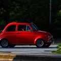 写真: 赤い車