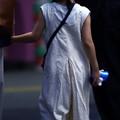 Photos: A little girl who is nodded.