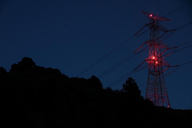 Photos: 電気を運ぶ