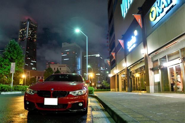 Photos: 深夜の紅いクルマ@みなとみらい